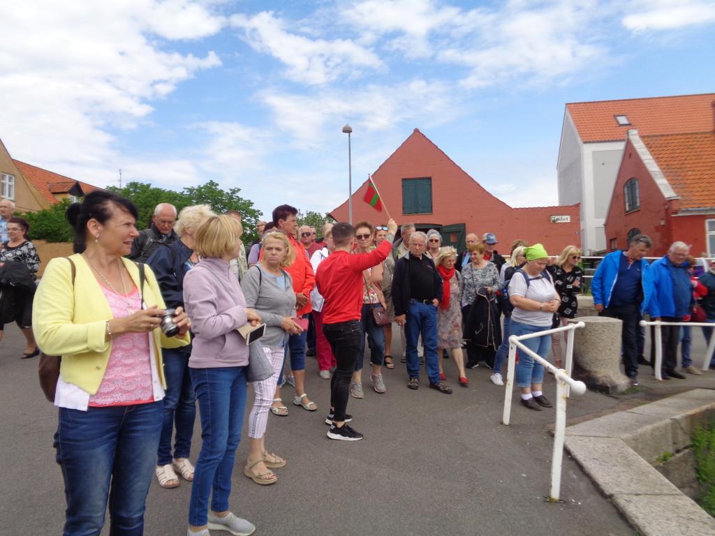 LUTW – Wycieczka ULTW… uczestnicy wycieczki podczas zwiedzania Borholmu - JB