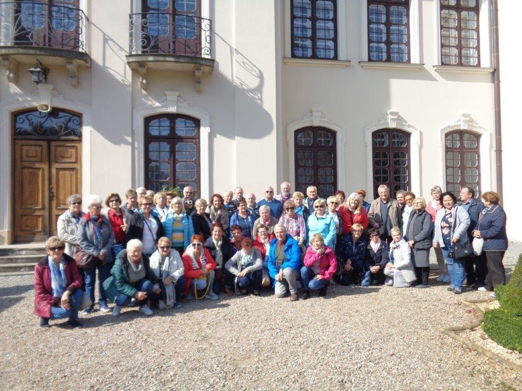 LUTW - Uroki Zamojszczyzny Przed Pałacem Zamoyskich w Kozłówce - JB